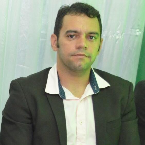 Prof. Paulo Robson é eleito diretor da EEM Santa Tereza de Altaneira-Ce