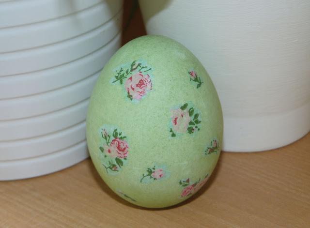 huevo-de-ceramica-decoupage-servilleta