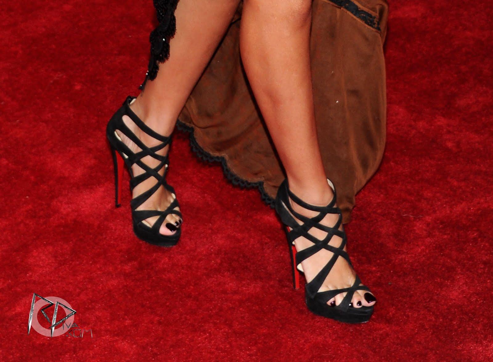 Rihanna Toes: Celebsole: Rihanna Sexy Feet In Highheels