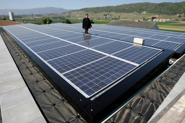 Le toit du Tissot Arena - Centrale solaire photovoltaïque