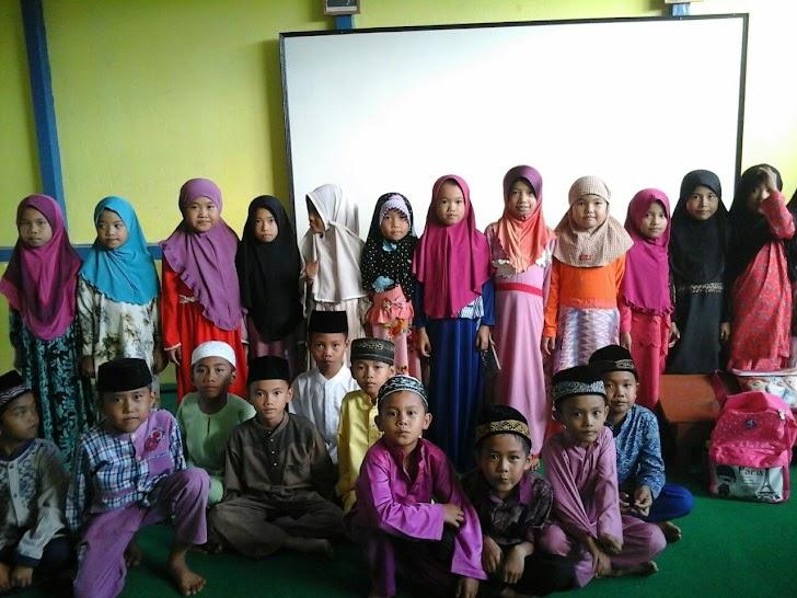 Salut !!! Peduli Pendidikan Agama, Warga Kerinci di Malaysia Salurkan Bantuan
