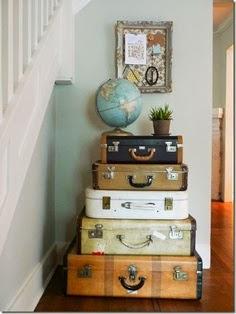Decoración con maletas.