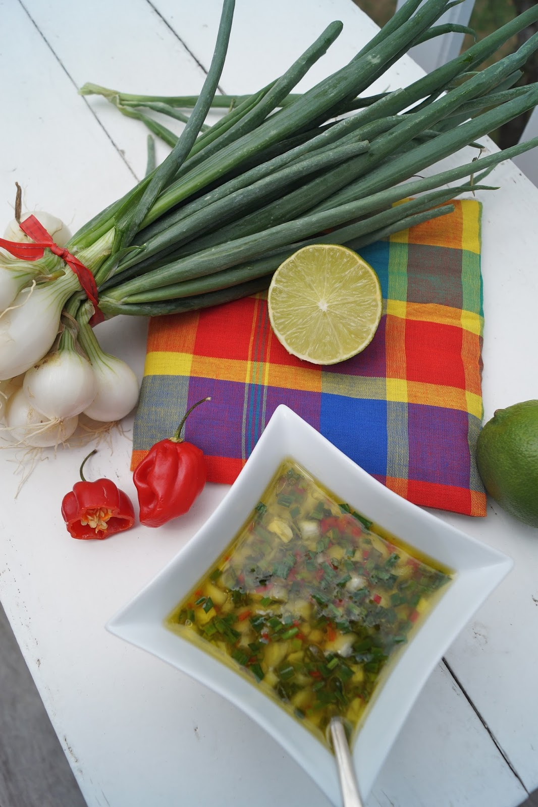 Poisson Grill Avec Sa Sauce Chien Persil Oignons Pays Citron