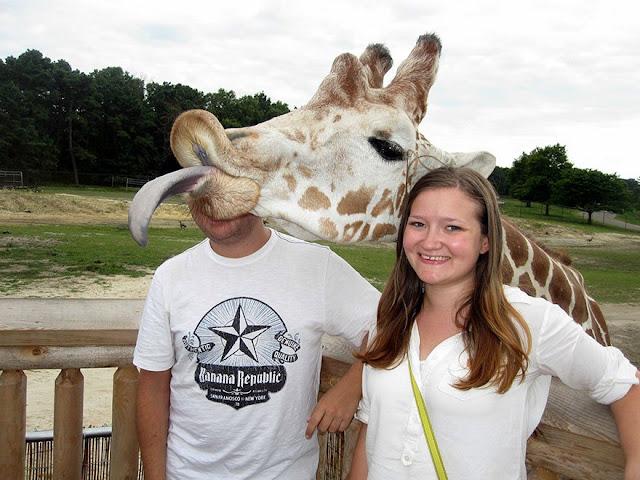 foto lucu saat hewan ikut berselfie bersama manusia-7