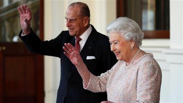 Britain's Queen Elizabeth II , George Bush, Jimmy Carter, David Rockefeller predicted to die in 2017