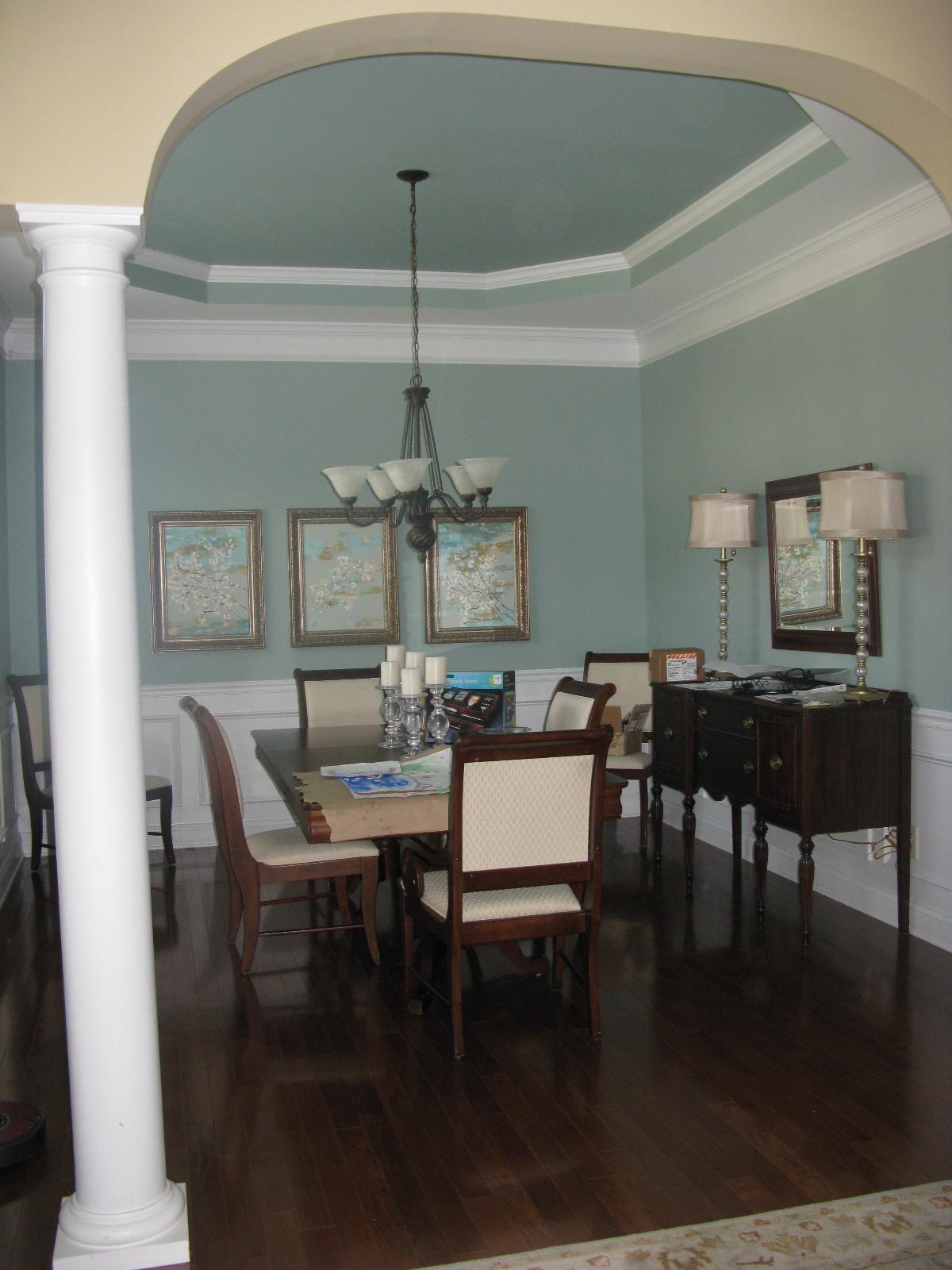 Tiny Home Designs: Decor You Adore: Go BIG Or Go Home-decorating With High