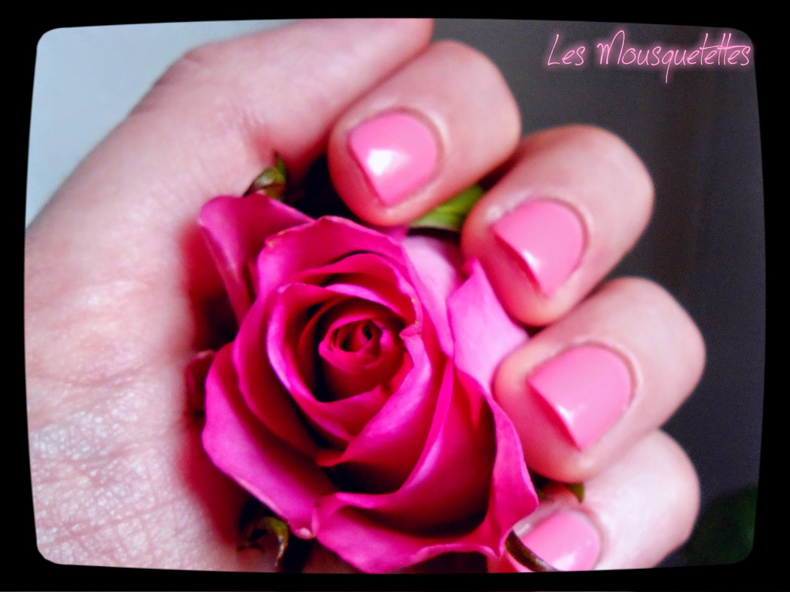 Vernis Please, Draw me a Rose Gregory Ferrié Paris - Les Mousquetettes©