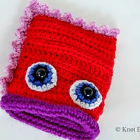 http://www.ravelry.com/patterns/library/valentines-monster-loot-carrier