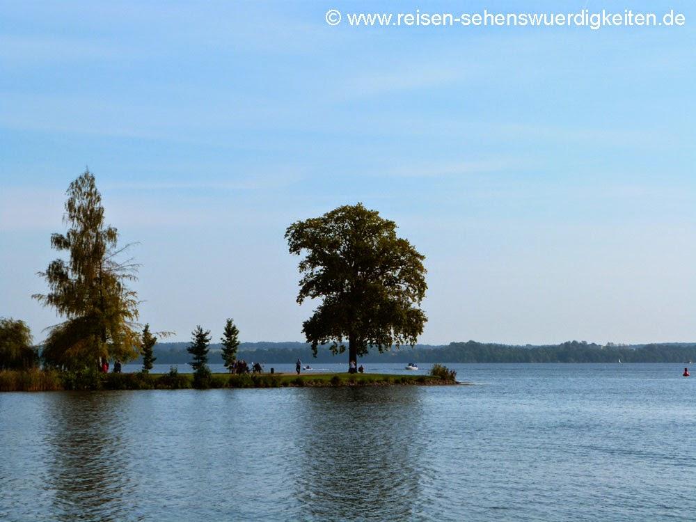 Blick vom Schloss auf den Schweriner See