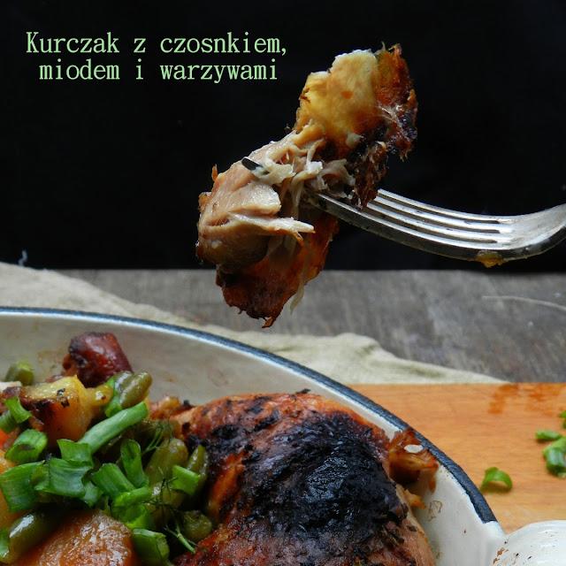 Kurczak z czosnkiem, miodem i warzywami z wolnowaru