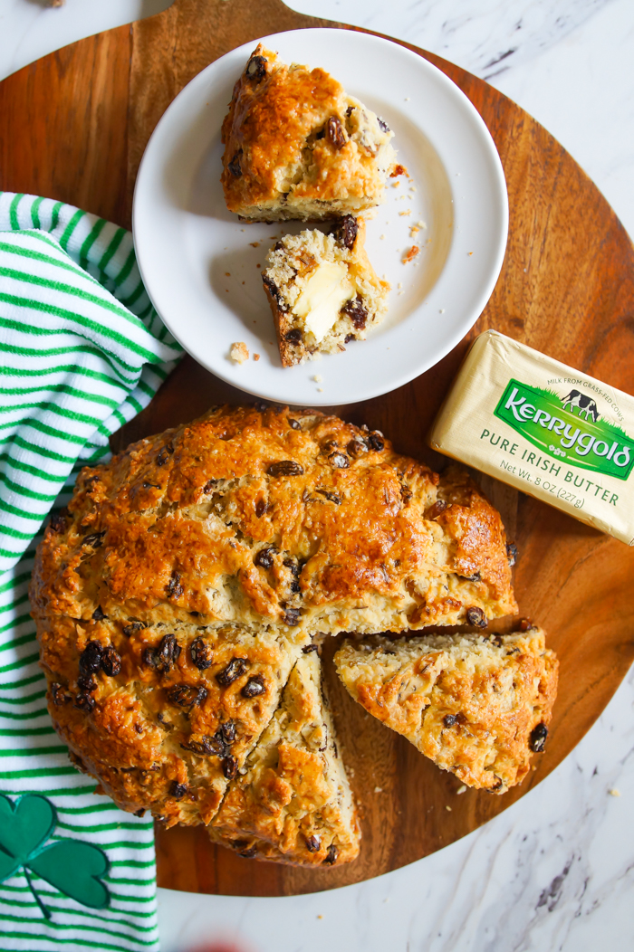 Favorite Irish Soda Bread ♥ bakeat350.net