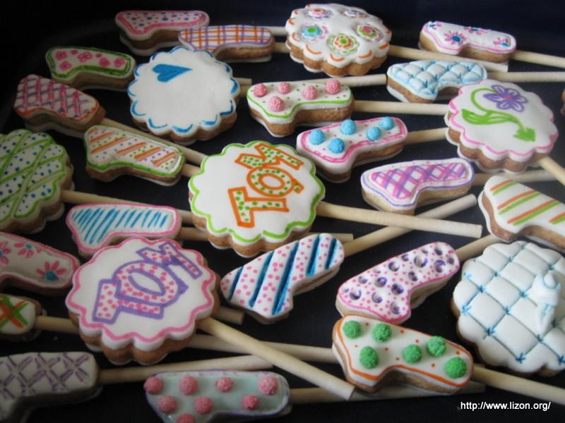 Как украсить печенье мастикой