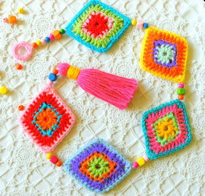 granny square wall hanger decoration crochet pattern