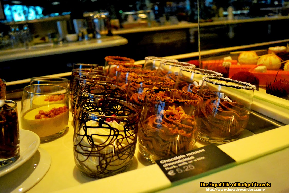 bowdywanders.com Singapore Travel Blog Philippines Photo :: Amsterdam :: Breaking the Stereotype: The Café Chocolat in Amsterdam Airport Schiphol