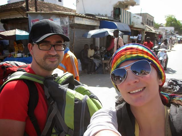VIAJAR NO SENEGAL | Como sobrevivemos e andamos nas estradas e trânsito do Senegal