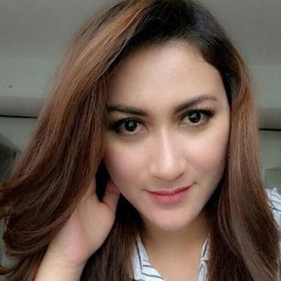 Gita Esfandiary