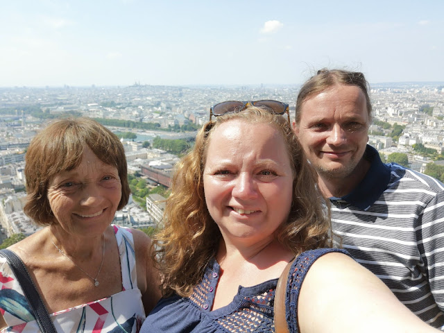 Family with Eiffel tower view