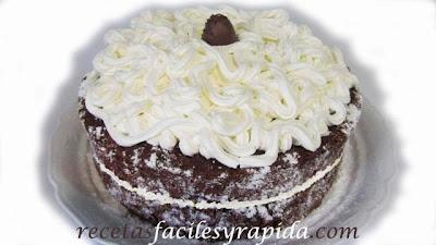 Tarta Brownie con nata