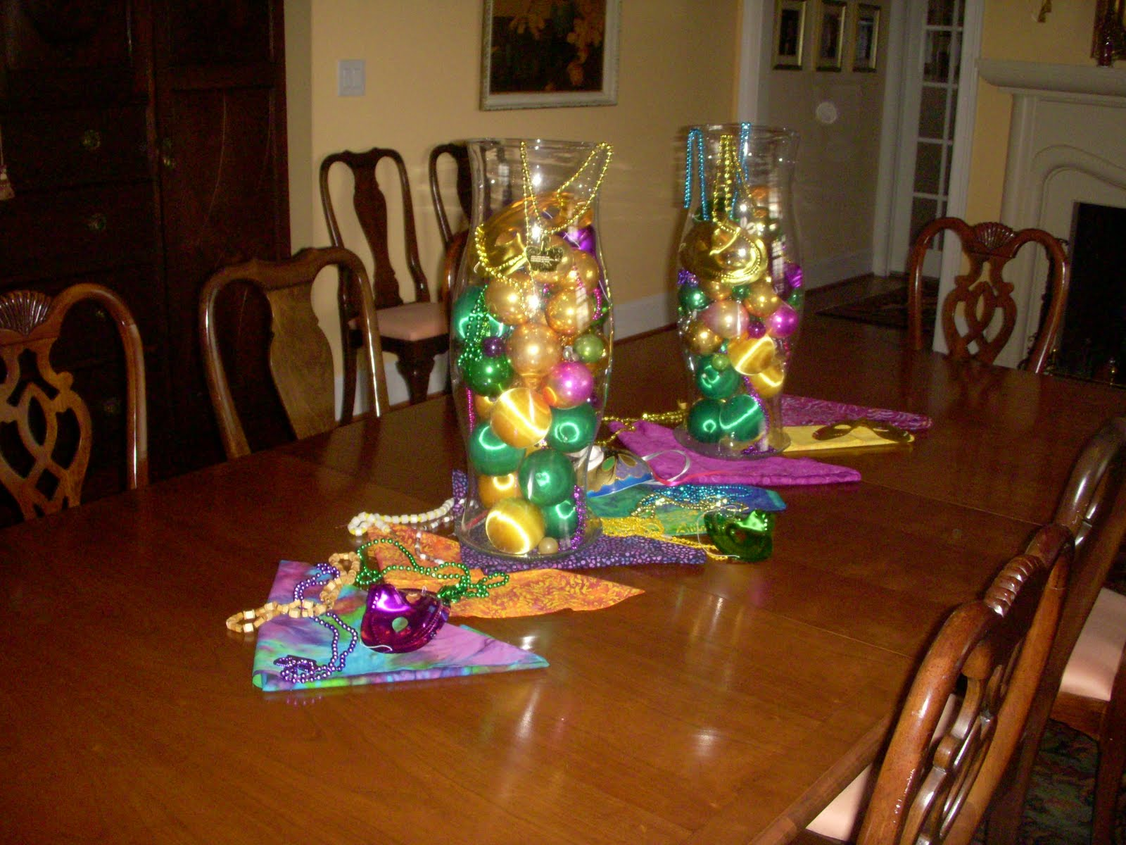 when to cut wedding cake at the reception mardi gras table decorations to make photograph wedding ca 27126