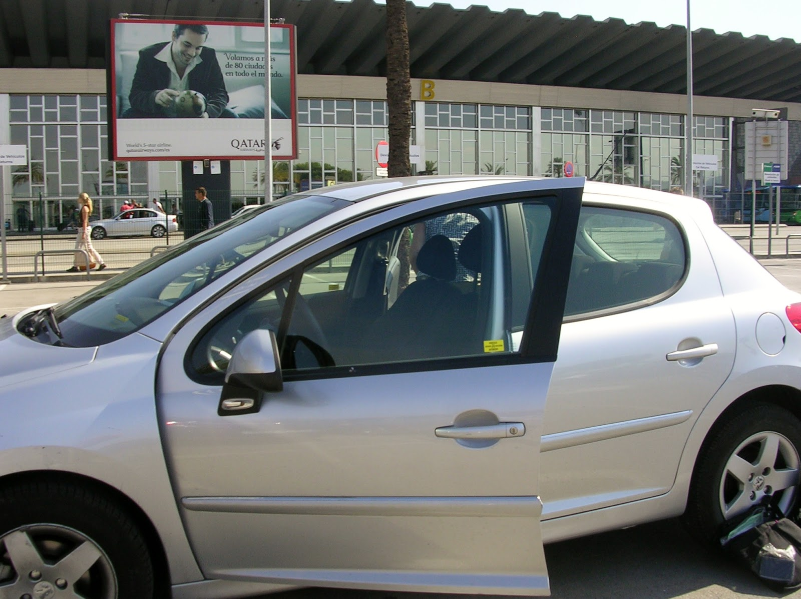 Caen Car Rental  People