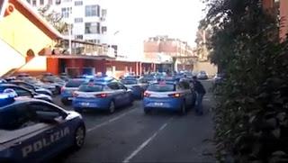 Tradizionale uscita Volanti 113 dalla Caserma Maurizio Giglio di Roma - Video