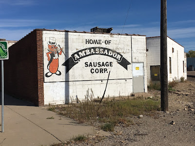 http://ghostsignsmpls.blogspot.com/2016/10/life-is-like-box-of-sausages.html