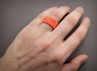 купить женское оранжевое кольцо недорого интернет магазин украшений из бисера