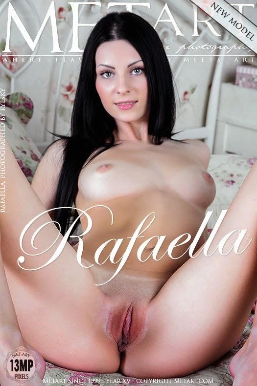 Agerie 2014-10-04 Rafaella - Presenting uncategorized