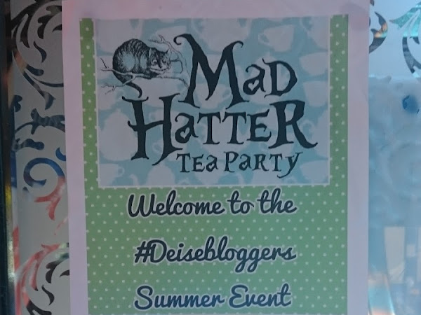 Mad Hatters Tea Party : Deisebloggers Summer Event