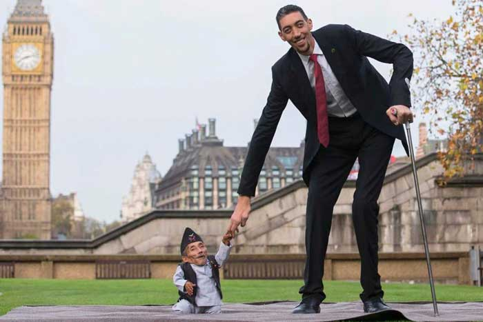 World's Tallest and Shortest Man