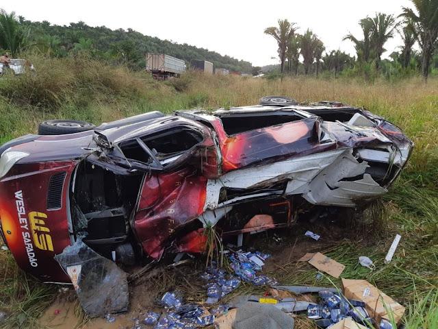 Acidente com veículo do cantor Wesley Safadão deixa uma pessoa ferida