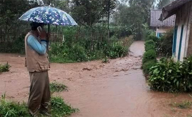 Banjir Cikajang