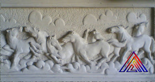 Relief delapan kuda