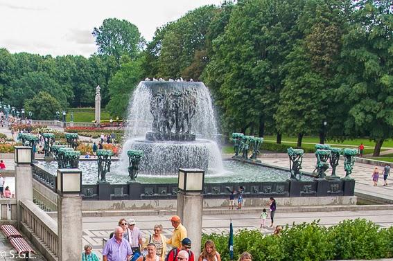 La fuente del parque Vigelan en Oslo