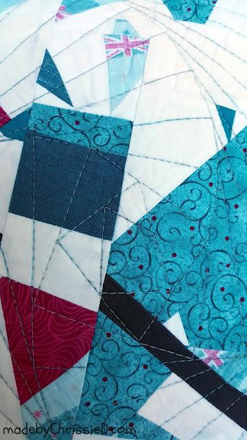 Hidden Zipper Cushion Tute by www.madebyChrissieD.com