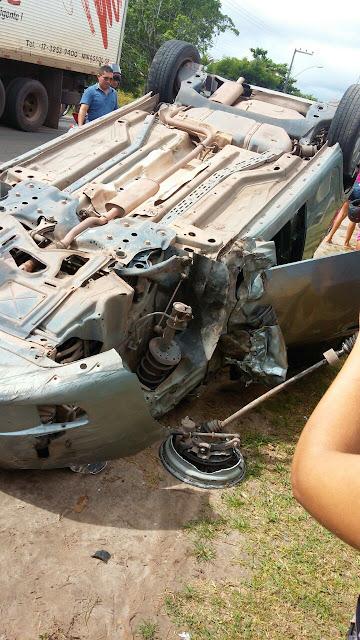 Em Chapadinha! Enfermeira sofre acidente de carro, mas passa bem.