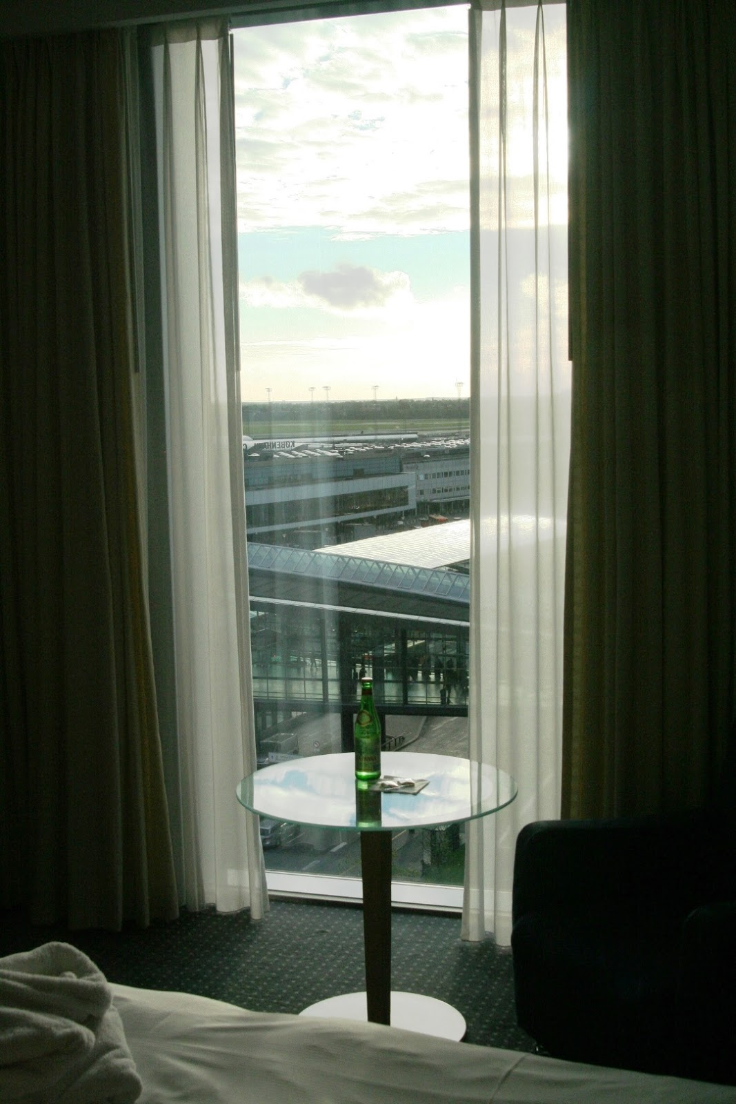 view from the window Hilton Copenhagen Airport Kopenhaga
