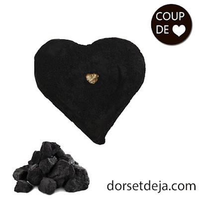 http://www.dorsetdeja.com/demaquillants-eaux-florales/736-nettoyant-visage-au-charbon.html