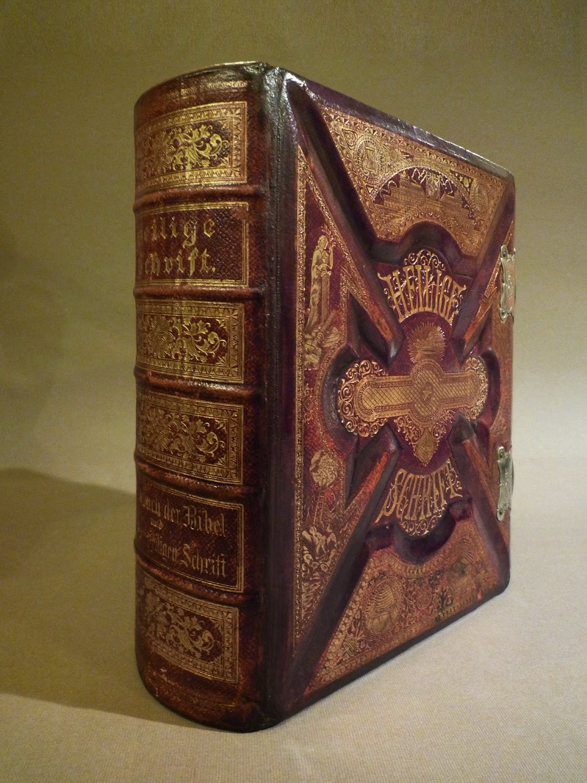 Bookbinders Chronicle Lutheran Family Bible by E Gately  Co