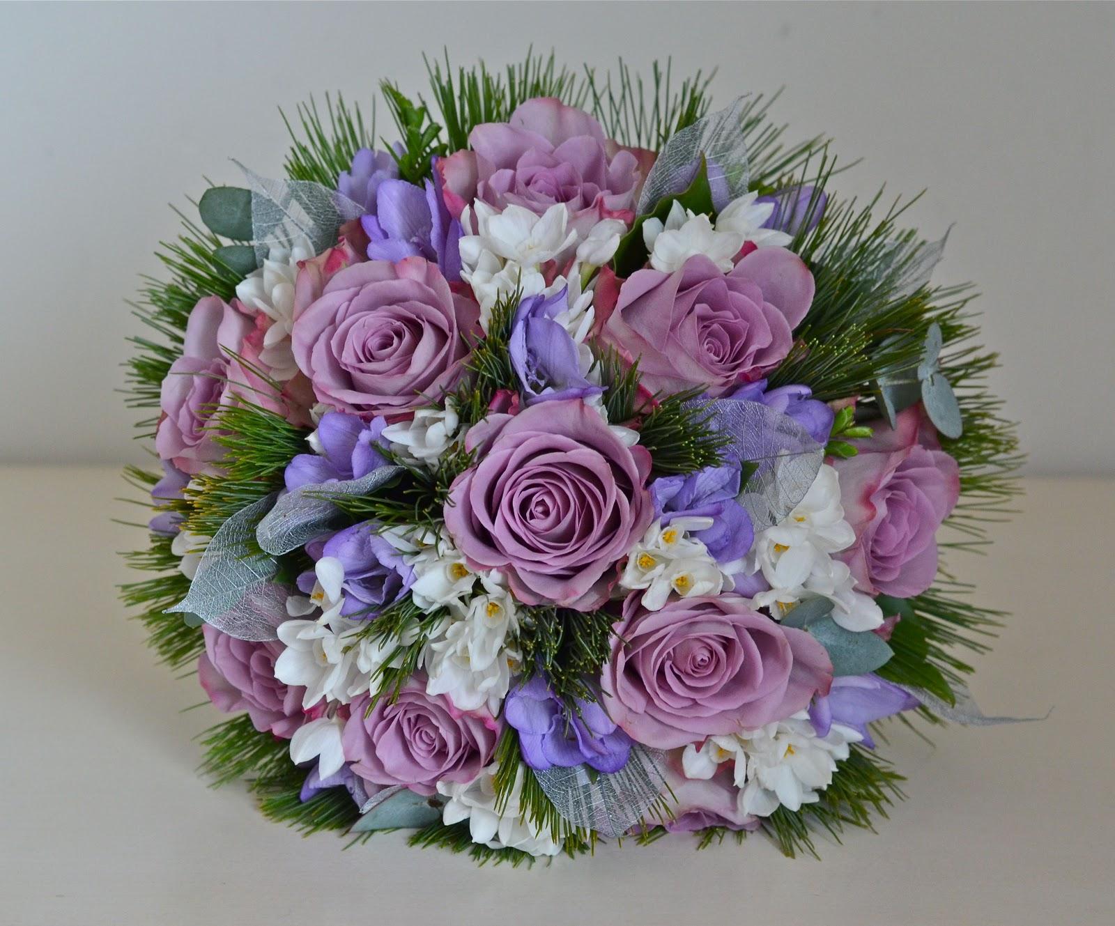 Wedding Flowers Blog: Lucy's Christmas Wedding Flowers