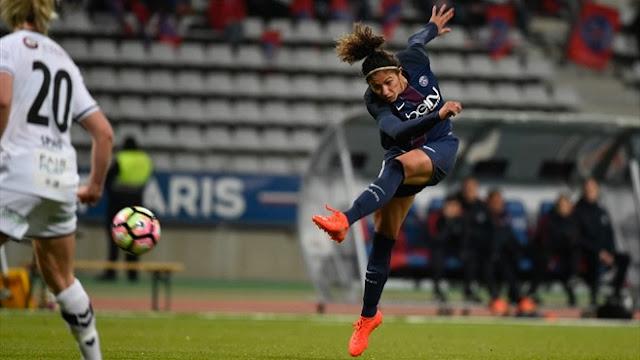 Cristiane brilhou para colocar o PSG na próxima fase da Champions