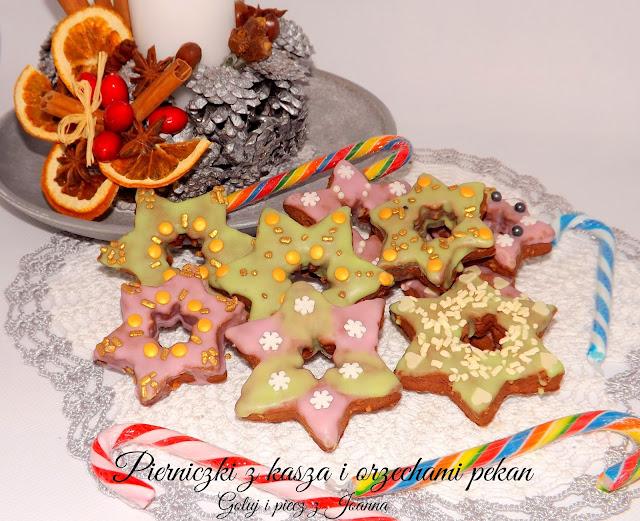 Ciasteczka piernikowe z kaszą jaglaną i orzechami pekan