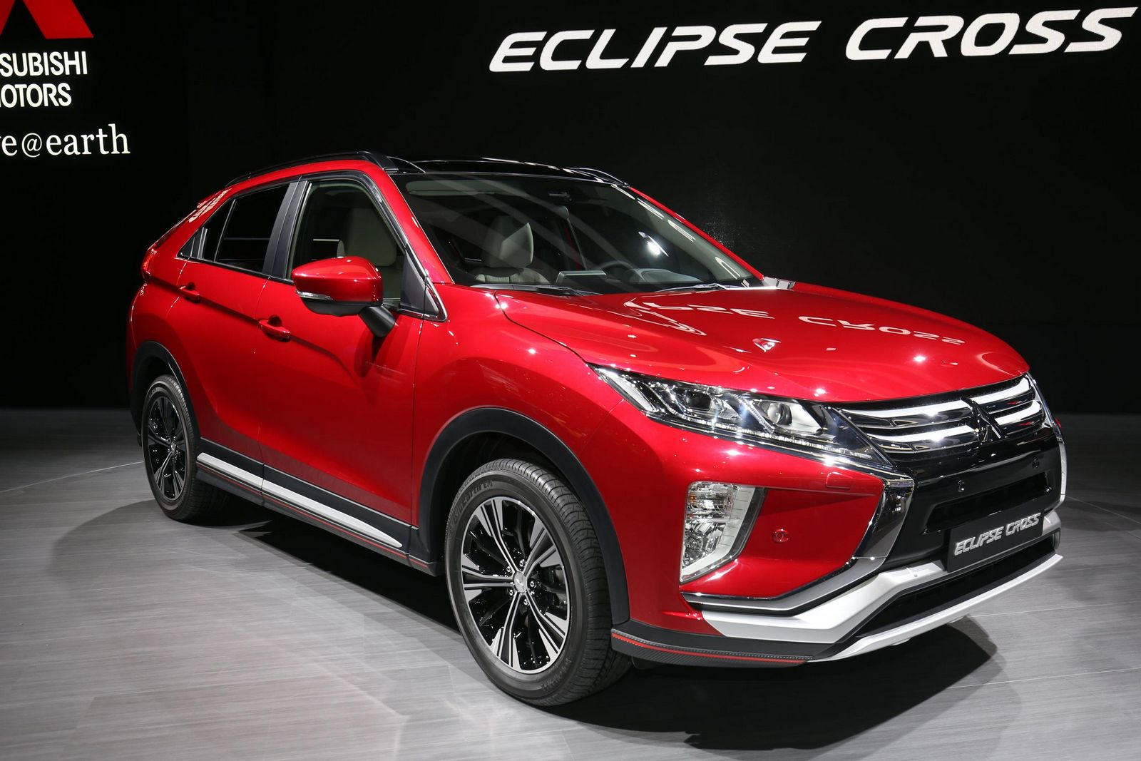 2018 mitsubishi eclipse cross brings evo tech to geneva 53 photos carscoops. Black Bedroom Furniture Sets. Home Design Ideas