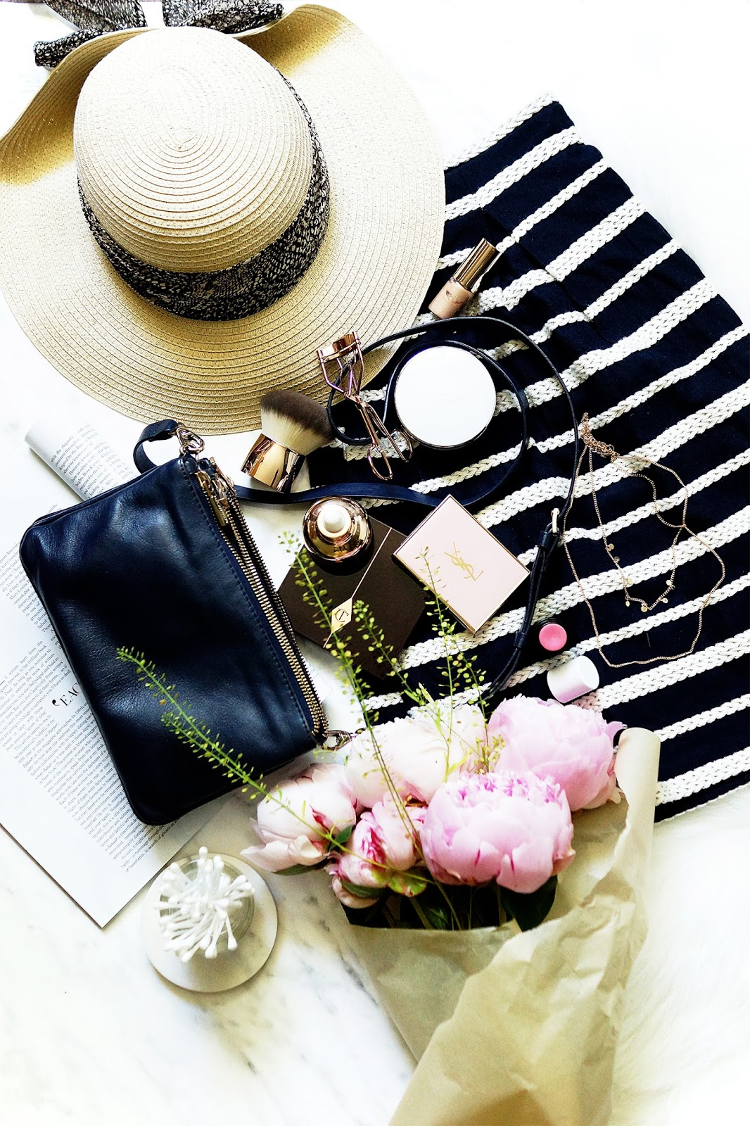 Barely-There-Beauty-blog-lifestyle-flatlay-photography