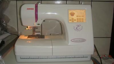 http://3.bp.blogspot.com/-Y84IPi-BcV8/UGstQHwpIdI/AAAAAAAAopQ/WkVbQeuaDxk/s1600/1340582286_402821064_1-Fotos-de--Maquina-de-bordado-computadorizada-janome-modelo-MC-350E.jpg
