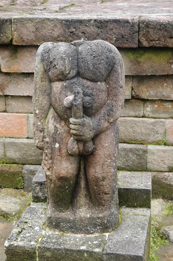 Relief Dan Sejarah Candi Sukuh Karanganyar - Patung