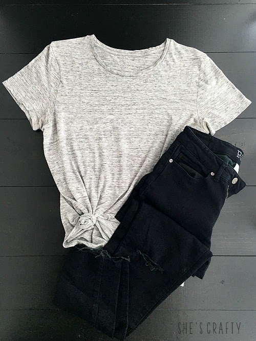 How to use Pinterest to help style clothes for moms - black jeans and gray T knotted