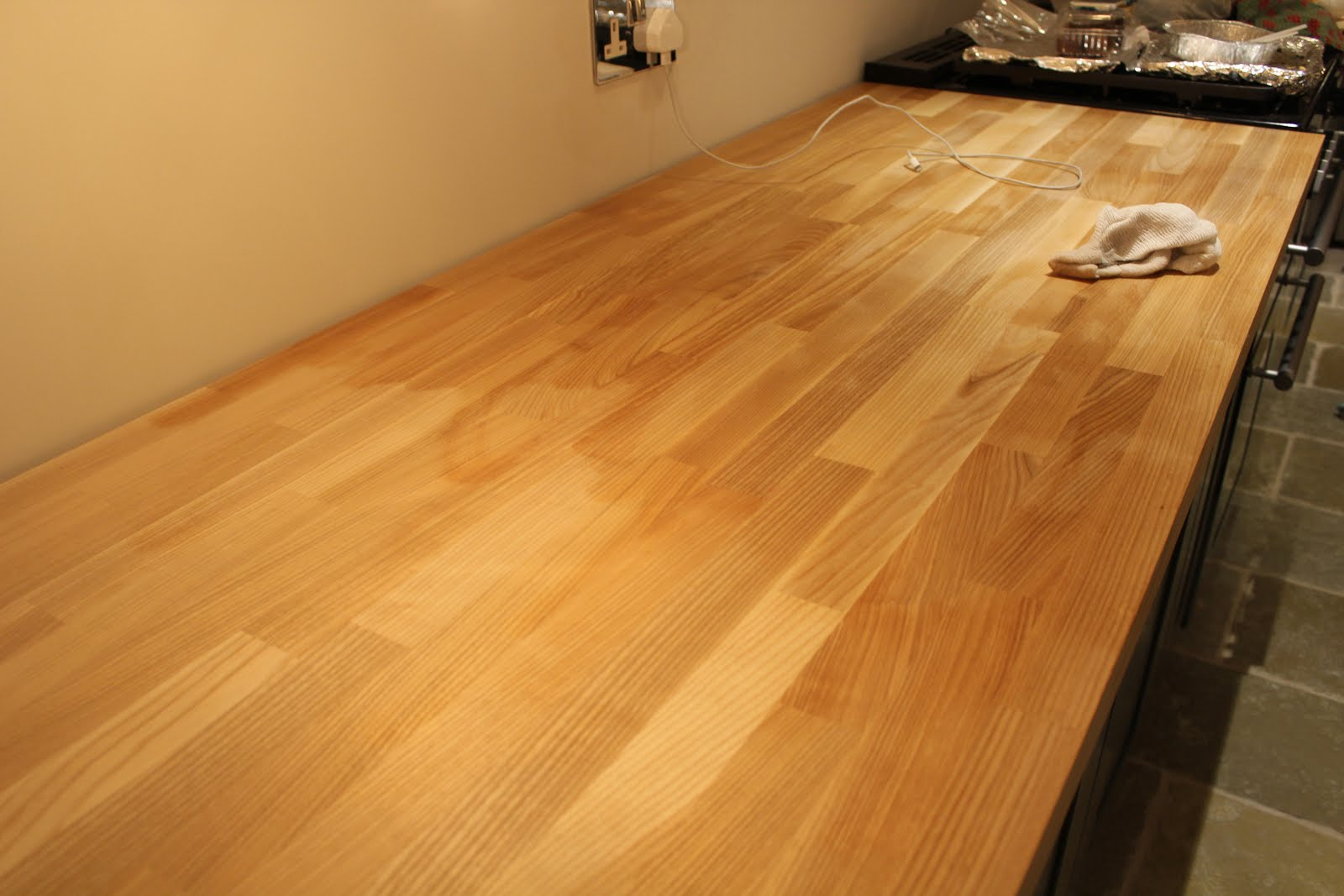 How to oil worktops
