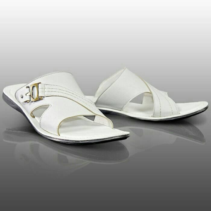 3278ed842e2 Endah Pamanukan  Sandal Pria Terbaru Warna Putih   Sandal Casual ...