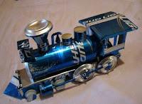 Manualidades con material reciclado - Trencito construido con latas